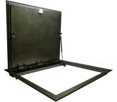 Уличный напольный люк СТЕЛС 600х600 утепленный с амортизаторами и металлическим рифленым листом